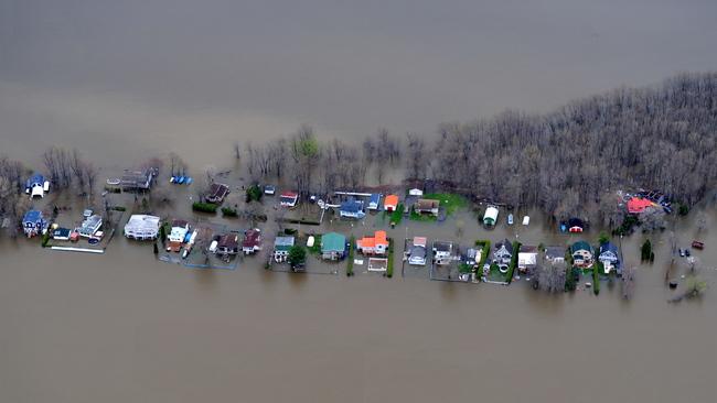 Visuel des inondations dans le secteur de Rigaud. Le mercredi 3 mai 2017. ELIZABETH LAPLANTE/TVA NOUVELLES/AGENCE QMI